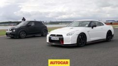 Nissan GT-R Nismo vs Nissan Juke-R 2.0 Drag Race